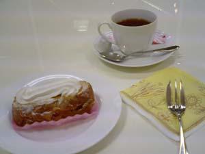 カフェラブアンドピース デセールキャラメルと紅茶のセット