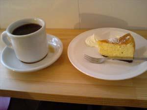 ミューカス FRPコーヒーとベイクドチーズケーキ