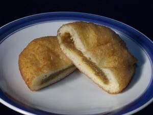蜂の家のカレーパン