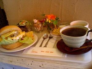 かきくけこバーガーとコーヒー