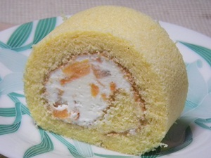 サンミシェル 茂木びわロールケーキ