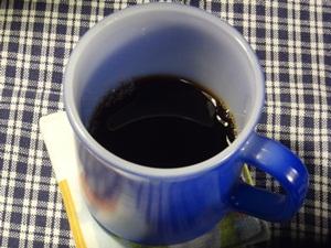 ファイヤーキングのマグでコーヒー
